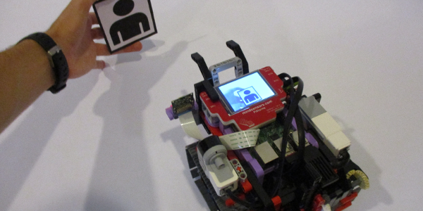 image-recognition-robot-with-pistorms-and-pi-camera
